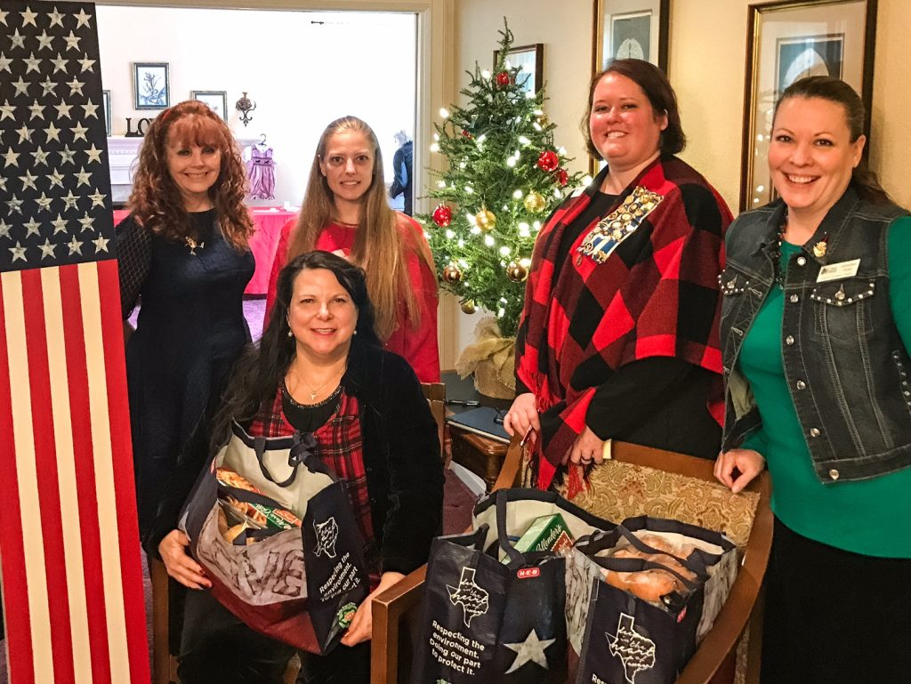 DAR Ladies with gift baskets